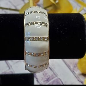 Chunky clamper bangle bracelet white gold